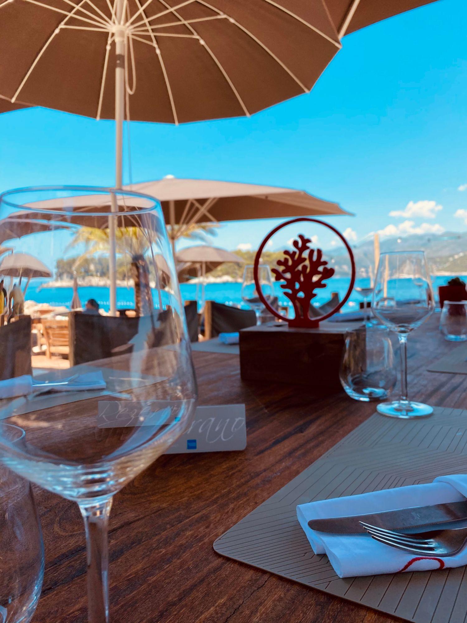 Coral Beach Sundown Table